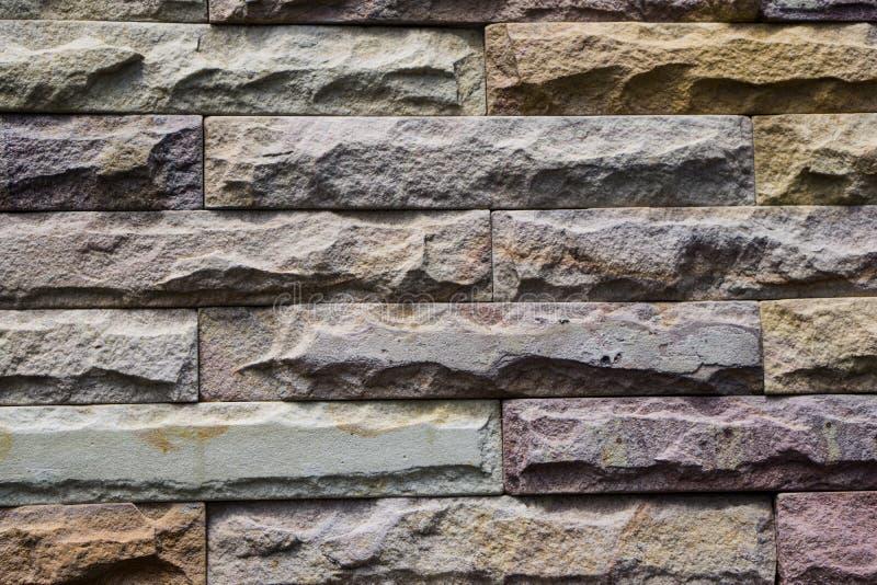 Parede da superfície áspera do fundo do teste padrão do tijolo fotos de stock royalty free