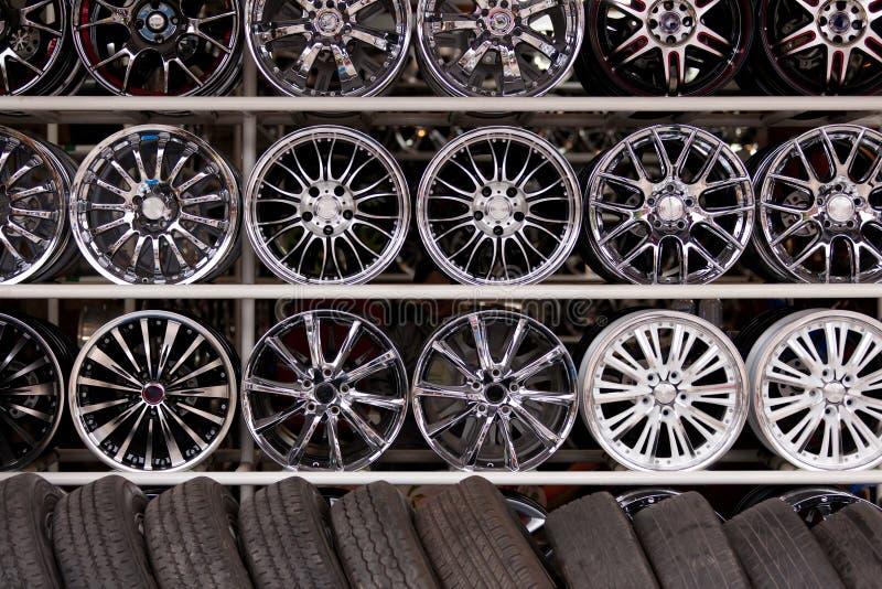 Parede das rodas de carro da liga fotografia de stock royalty free