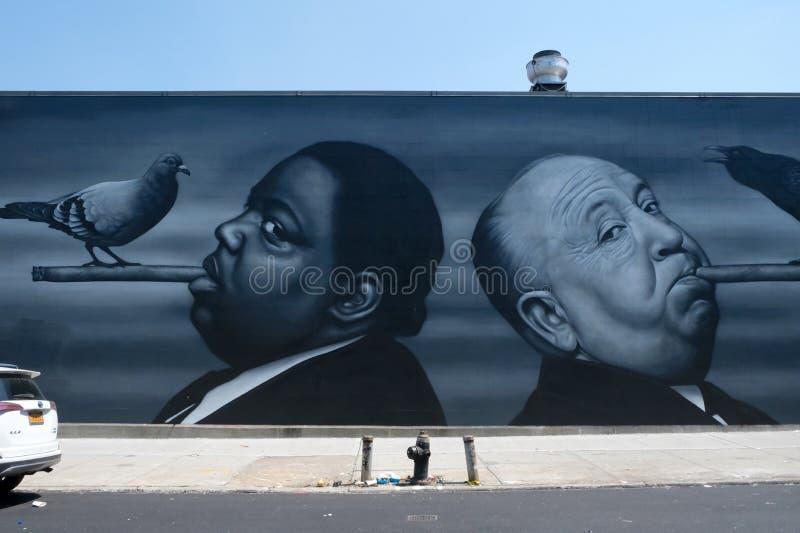 Parede de Alfred Hitchcock Graffiti em Brooklyn, NYC fotografia de stock