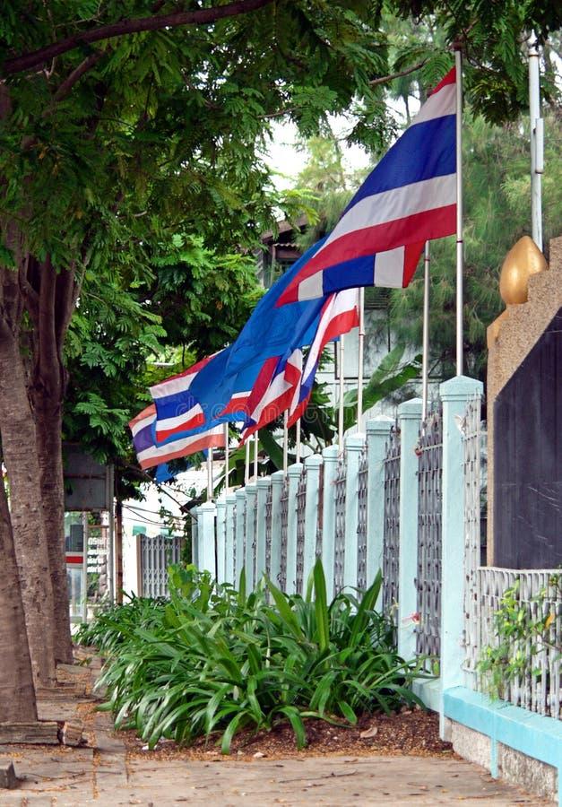 Parede de bandeiras tailandesas fotos de stock