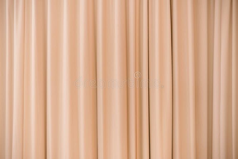 Parede de cortinas alaranjada imagens de stock royalty free