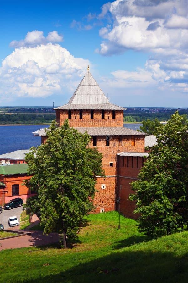 Parede de Kremlin em Nizhny Novgorod no verão imagens de stock royalty free