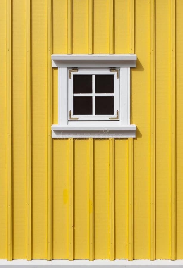 Parede de madeira amarela fotos de stock royalty free