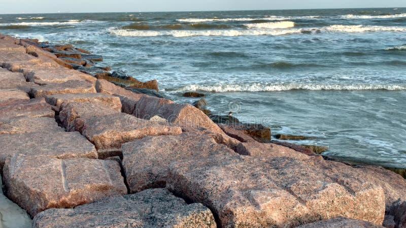 Parede de mar do granito fotografia de stock