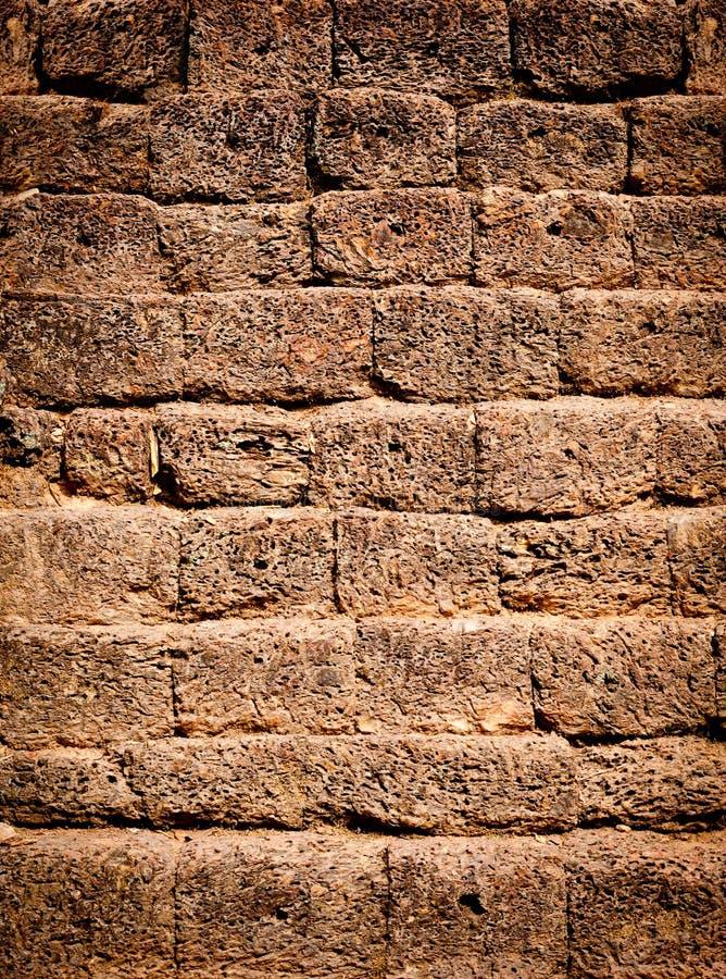 Superfície antiga da parede de pedra imagens de stock royalty free