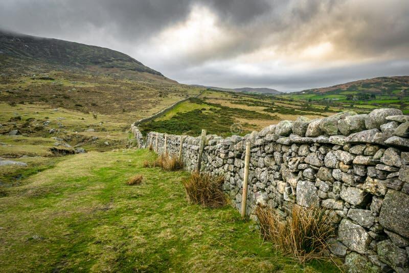 A parede de pedra infinita fotografia de stock
