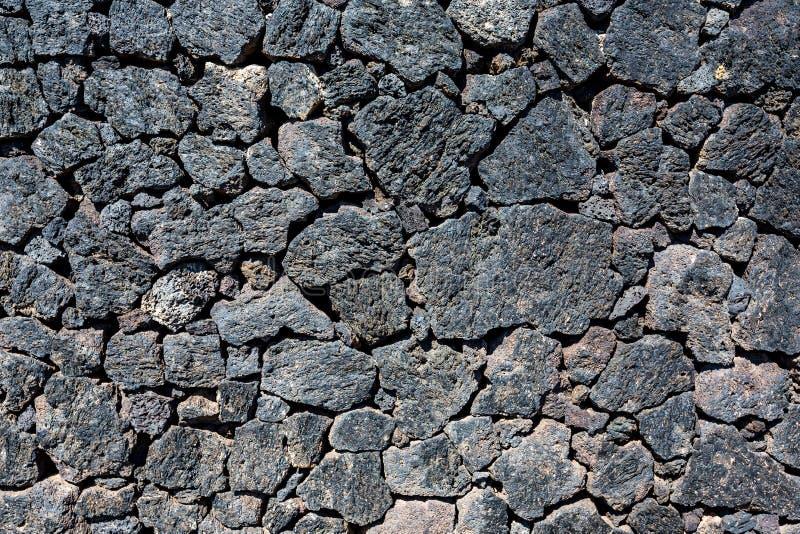 Parede de pedra típica de rocha vulcânica, Lanzarote, Espanha fotografia de stock royalty free