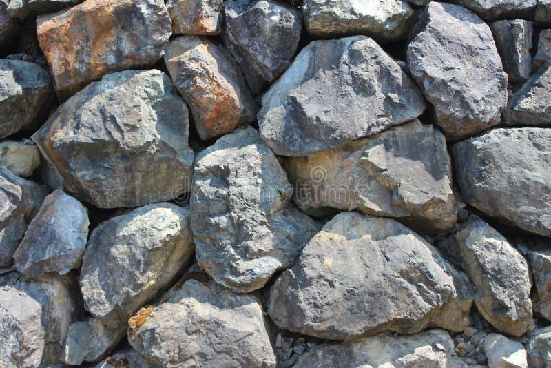 Parede de retenção de pedra seca do pedregulho horizontal foto de stock royalty free