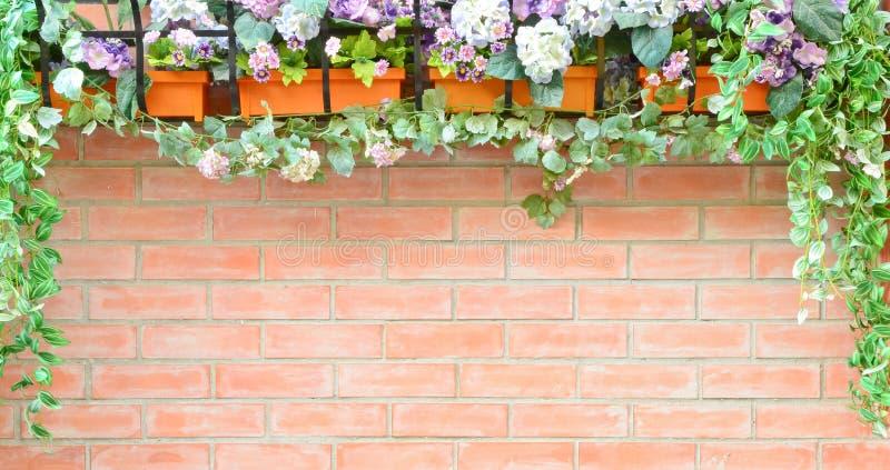 Parede de tijolo com frame natural foto de stock