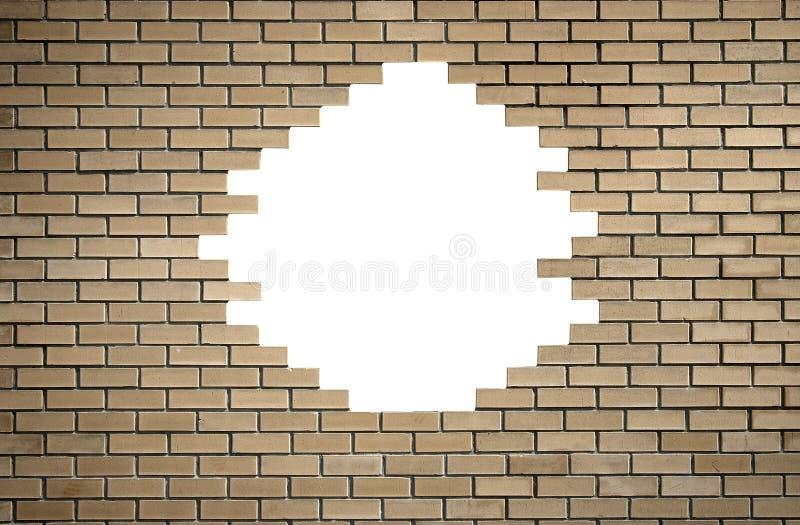 Parede de tijolo com furo imagem de stock royalty free