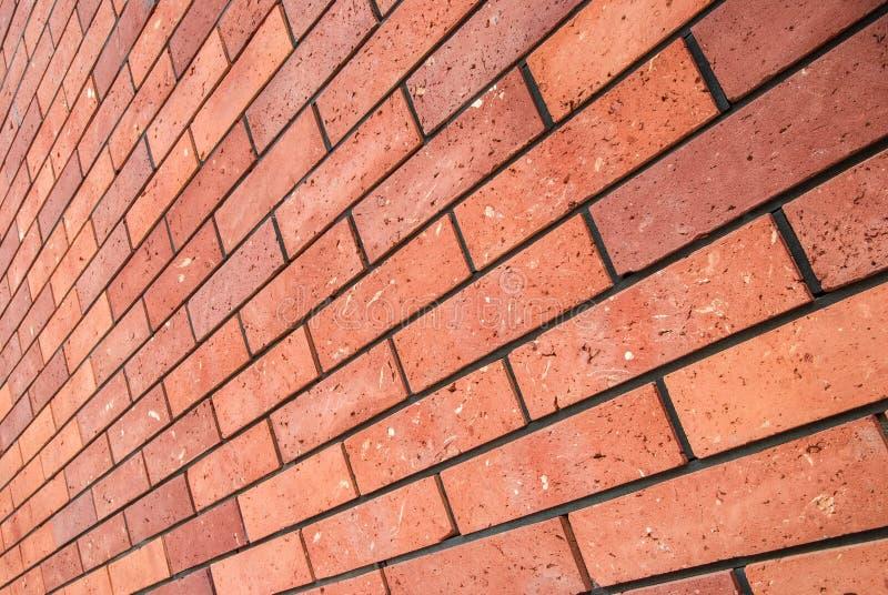 Parede de tijolo do vermelho da opinião de ângulo foto de stock royalty free