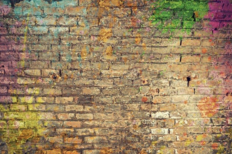Parede de tijolo dos grafittis foto de stock royalty free
