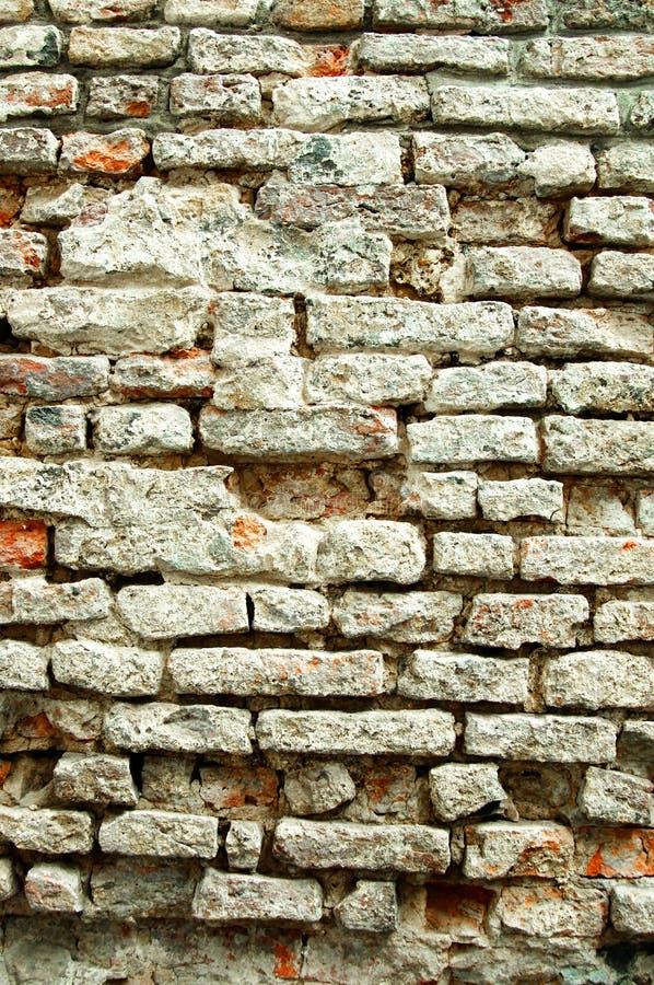 Parede de tijolo resistida fotos de stock royalty free