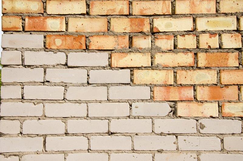 Parede de tijolo vermelha e branca. fotografia de stock royalty free