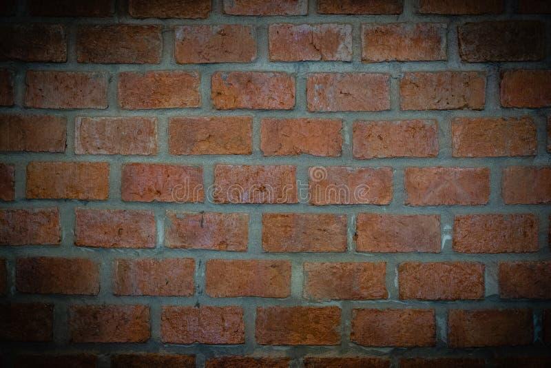 Parede de tijolos vermelhos na cafetaria fotos de stock royalty free