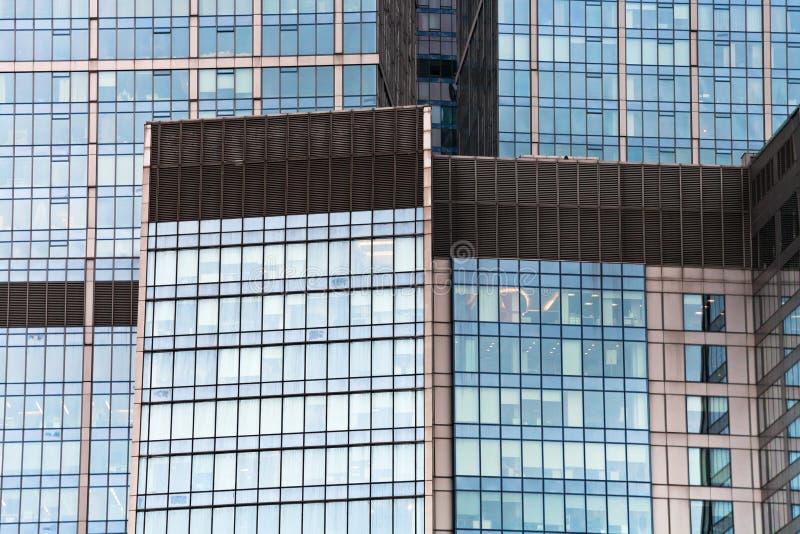 Parede de vidro do arranha-céus foto de stock royalty free