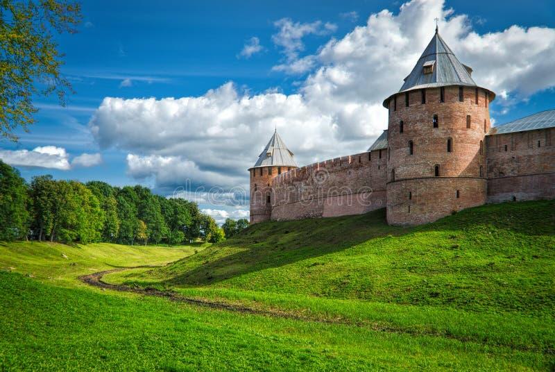 Parede do Kremlin de Novgorod imagem de stock
