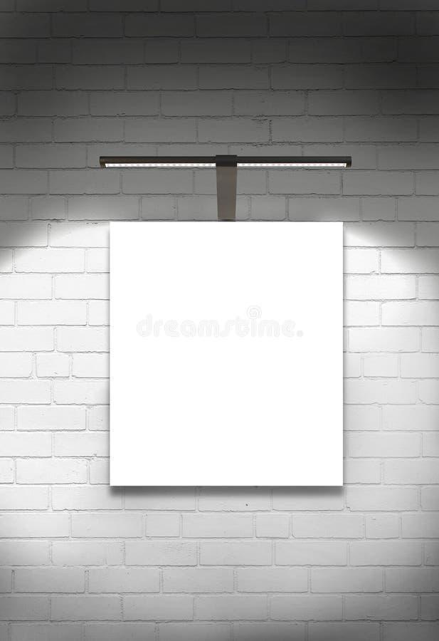Parede e luz vazias da galeria da lona imagens de stock royalty free
