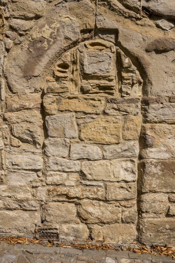 Parede e porta velhas em Durham fotografia de stock