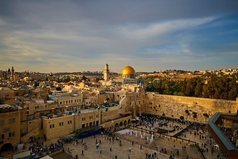 Parede lamentando e Al Aqsa no Jerusalém, opinião do por do sol fotografia de stock royalty free