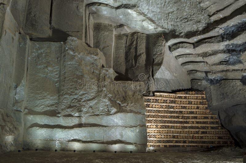 Parede na mina de sal em Wieliczka, Polônia imagens de stock royalty free