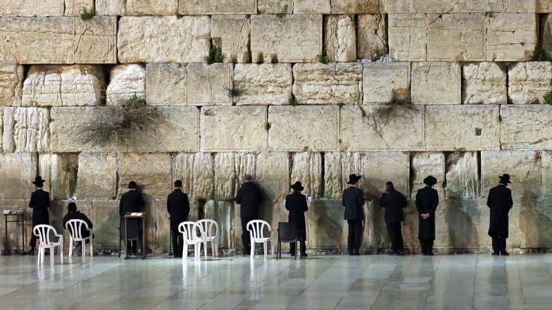 Parede ocidental que reza o ritual, Jerusalém, Israel fotos de stock