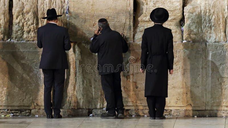 Parede ocidental que reza o ritual, Jerusalém, Israel foto de stock