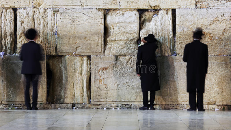 Parede ocidental que reza o ritual, Jerusalém, Israel fotografia de stock royalty free
