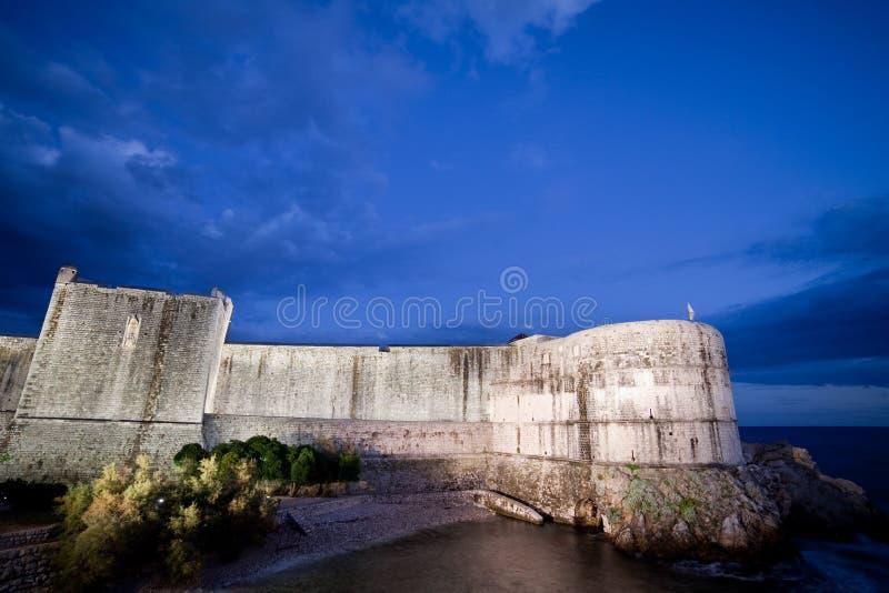Download Parede Velha Da Cidade De Dubrovnik Foto de Stock - Imagem de parede, cidade: 16850592