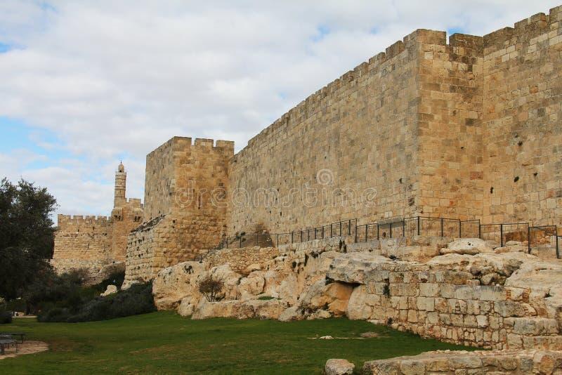 Parede velha da cidade de Jerusalem imagens de stock