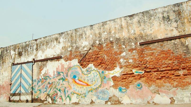 A parede velha urbana foto de stock royalty free