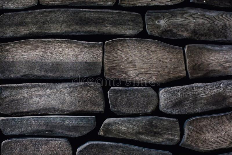Paredes cinzentas, feitas de madeira natural de textura antiga Fundo de madeira Madeira reciclada de qualidade diferente imagens de stock royalty free