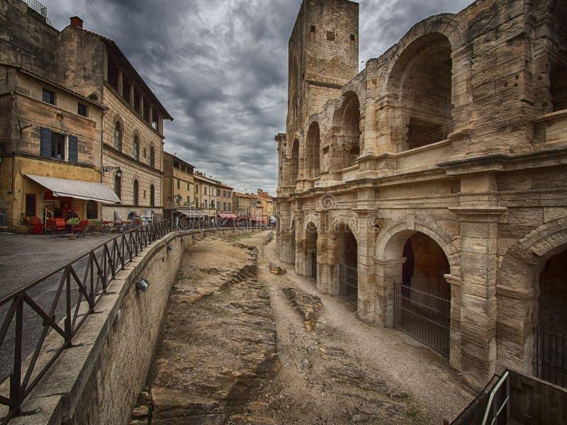 Paredes da arena romana de Arles, França imagens de stock royalty free