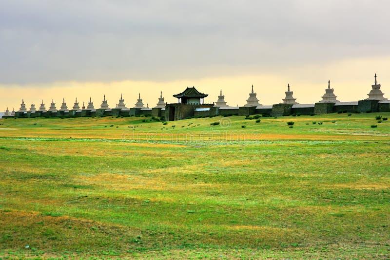 Paredes de la ciudad de Karakorum, vieja capital de Mongolia foto de archivo