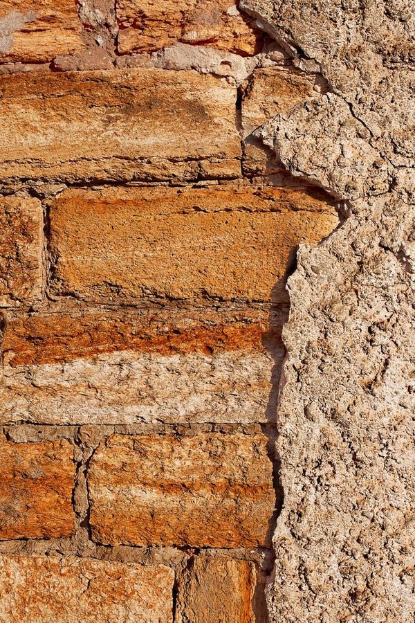 Paredes de piedra viejas de los edificios de la ciudad - Paredes de cemento ...