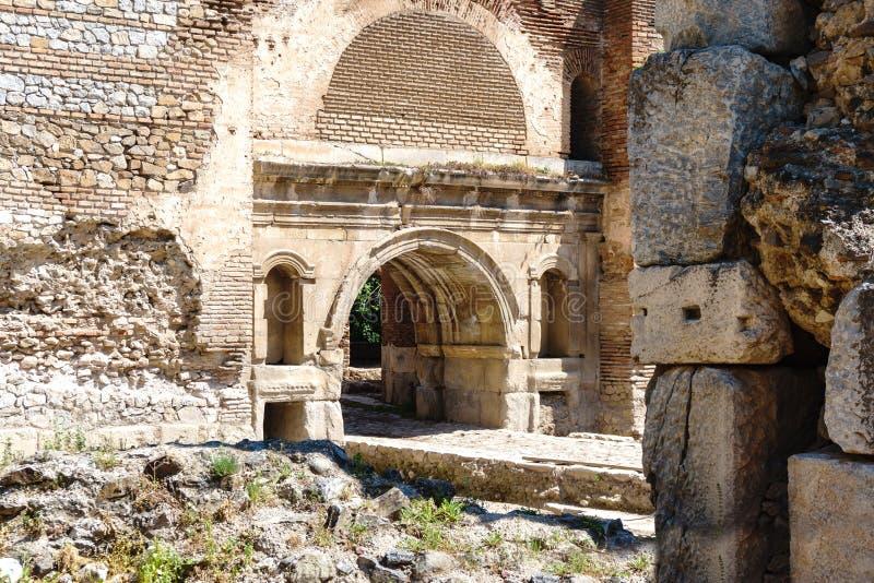 Paredes de piedra y puertas históricas de Iznik fotos de archivo libres de regalías