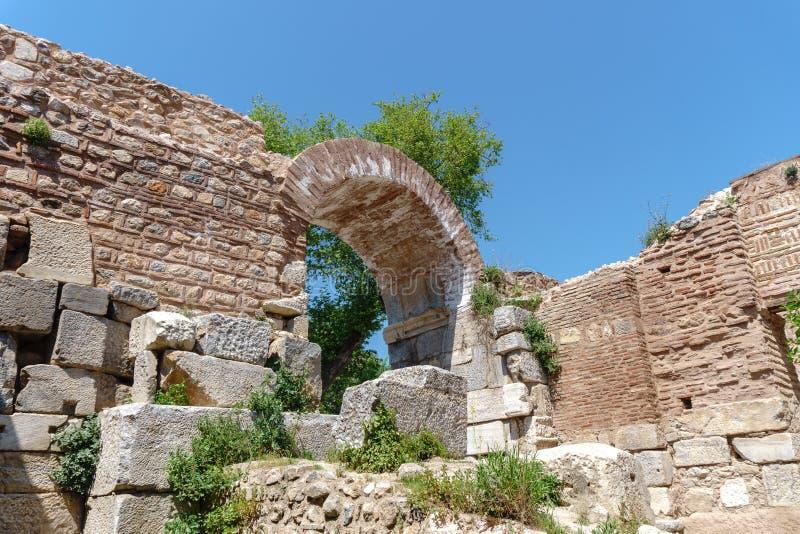 Paredes de piedra y puertas históricas de Iznik foto de archivo