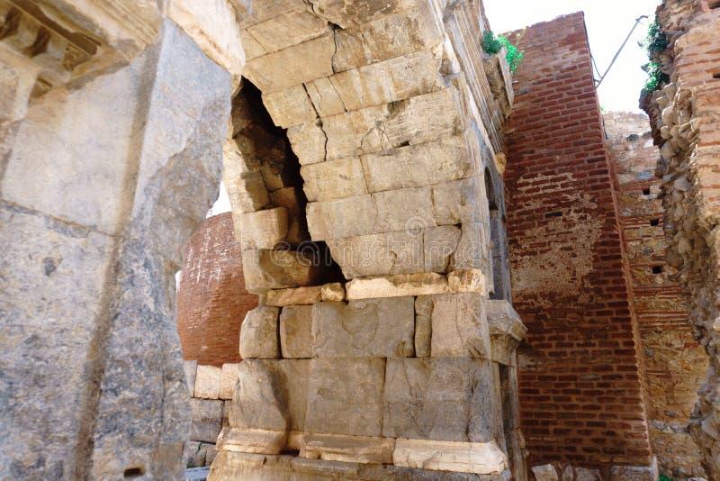 Paredes de piedra y puertas históricas de Iznik imágenes de archivo libres de regalías