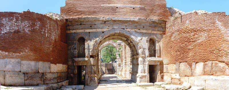 Paredes de piedra y puertas históricas de Iznik Bursa imágenes de archivo libres de regalías