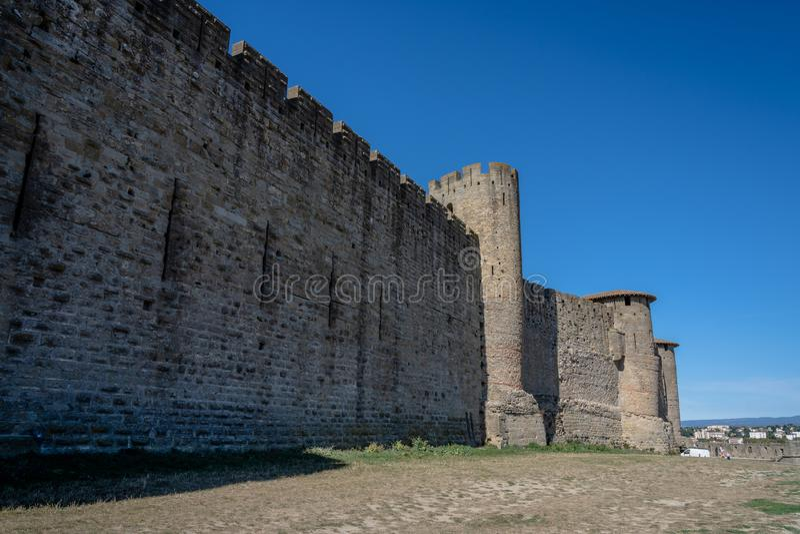 Paredes do castelo do La Cité da fortaleza, Carcassonne, França fotografia de stock royalty free