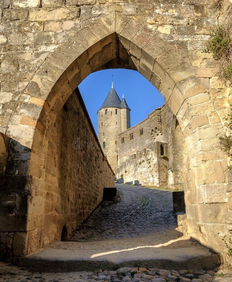 Paredes e torres medievais de Carcassonne, Languedoc, França fotos de stock royalty free