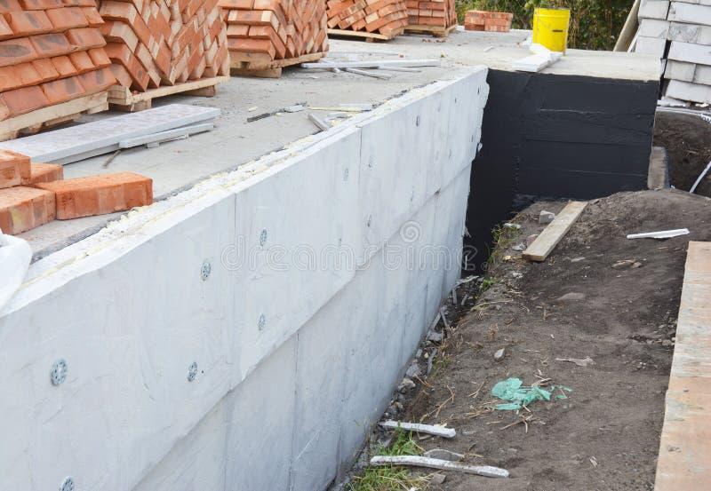 Paredes exteriores aisladores de la fundaci n impermeabilizaci n de la fundaci n y capas h medas - Aislamiento paredes exteriores ...