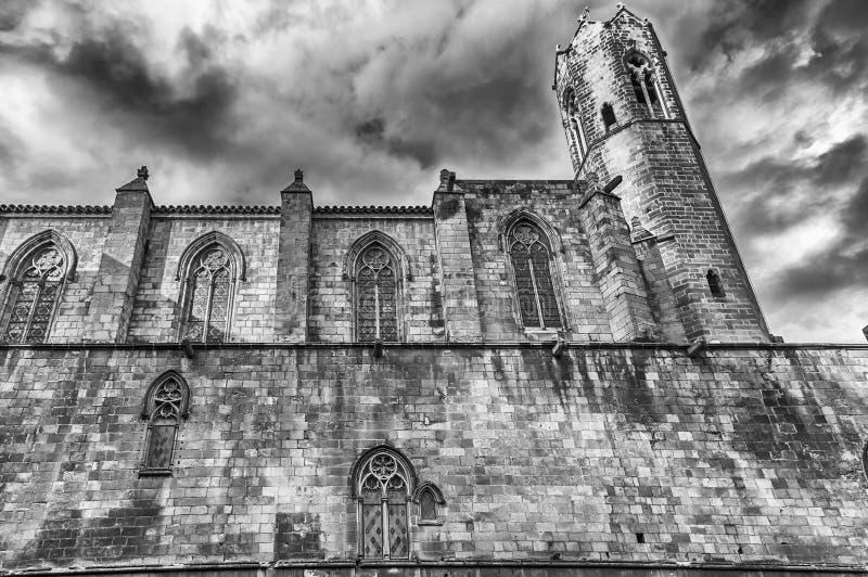 Paredes medievales en Placa del Rei, Barcelona, Cataluña, España imagenes de archivo