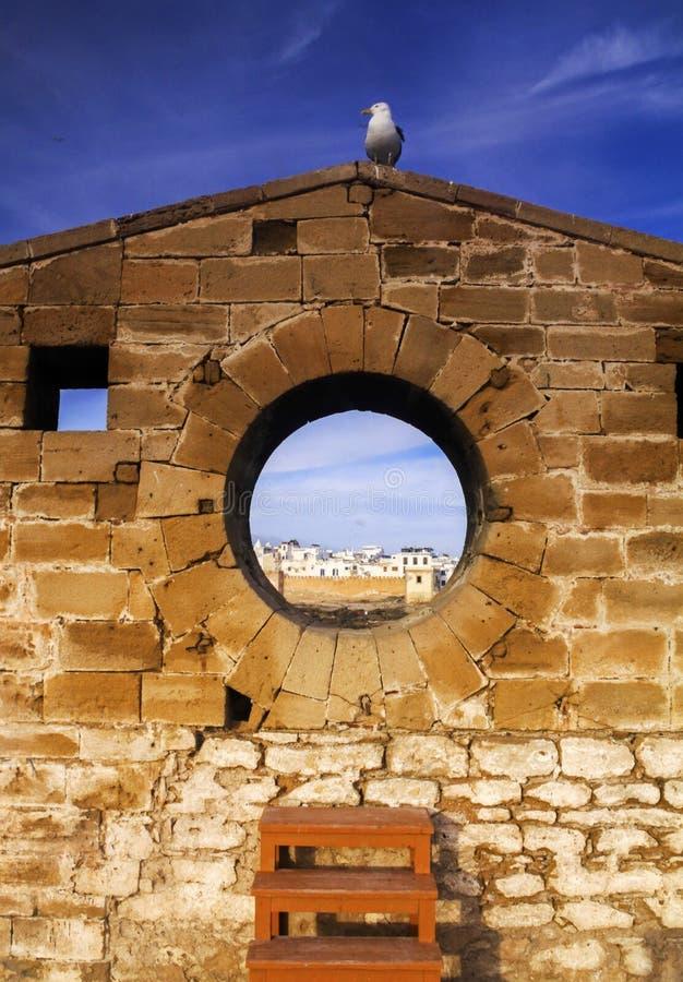 Paredes mediterrâneas velhas da fortaleza e da cidade de Essaouira Marrocos imagens de stock royalty free