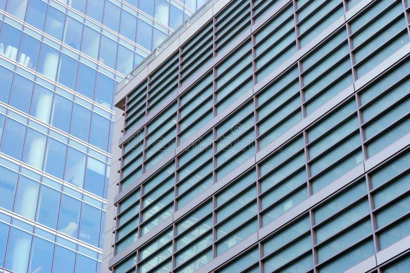 Paredes modernas do prédio de escritórios foto de stock