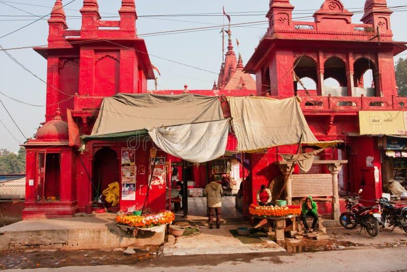 Paredes rojas de Durga Temple antigua foto de archivo