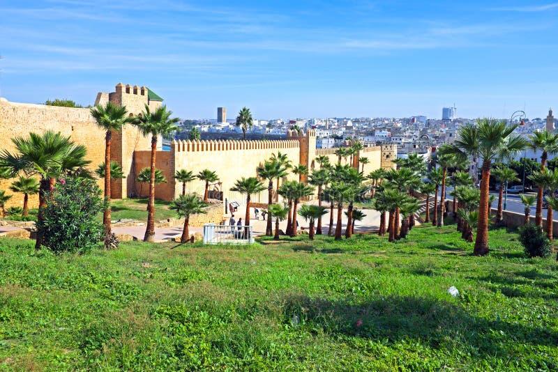 Paredes velhas da cidade em Rabat, Marrocos fotos de stock