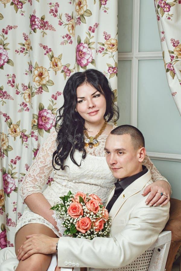 Pareja casada jóvenes imagen de archivo