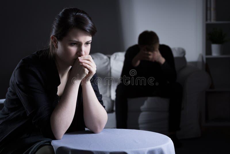 Pareja casada silenciosa imagen de archivo