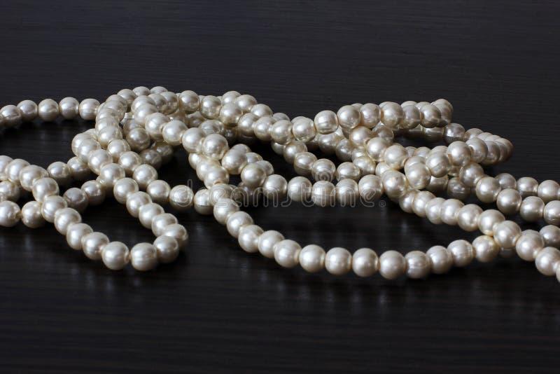 Parelparels juwelen Vrouwen` s juwelen Luxeparels royalty-vrije stock foto's
